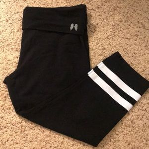 Victoria Secret Capri Leggins, large, black